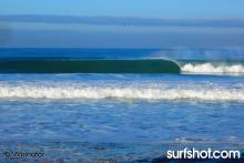 7 - 10 wave sets of this size epic clean no wind 5 guys out..