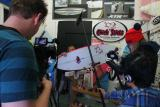 Chick Sticks, XTR and Bring Your Own Board - Orange County - Television Series.  Captured in Oceanside, CA Check out this Amazing Girls brand of High Performance Surfboards at www.chicksticksbylola.comm